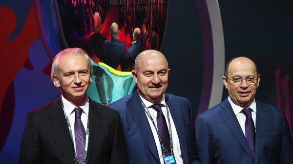 Александр Дюков, Станислав Черчесов и Сергей Прядкин (слева направо)