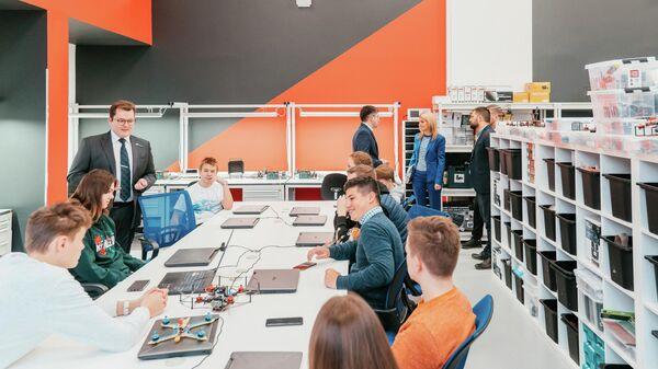 В технопарке МАИ Траектория взлета открыли новые детские лаборатории