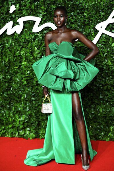 Модель Адут Акеч на церемонии вручения премии British Fashion Awards 2019