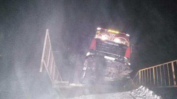 На 76 километре автодороги Усть-Кут – Киренск произошло обрушение моста под большегрузом. 4 декабря 2019