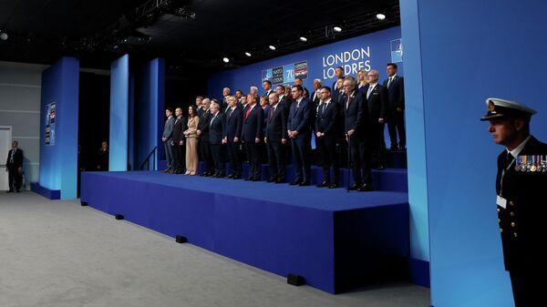 Лидеры стран НАТО во время ежегодного саммита в отеле Grove в Уотфорде, Великобритания