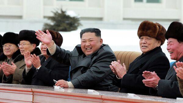Лидер Северной Кореи Ким Чен Ын на открытии нового города Самчжиён в Северной Корее