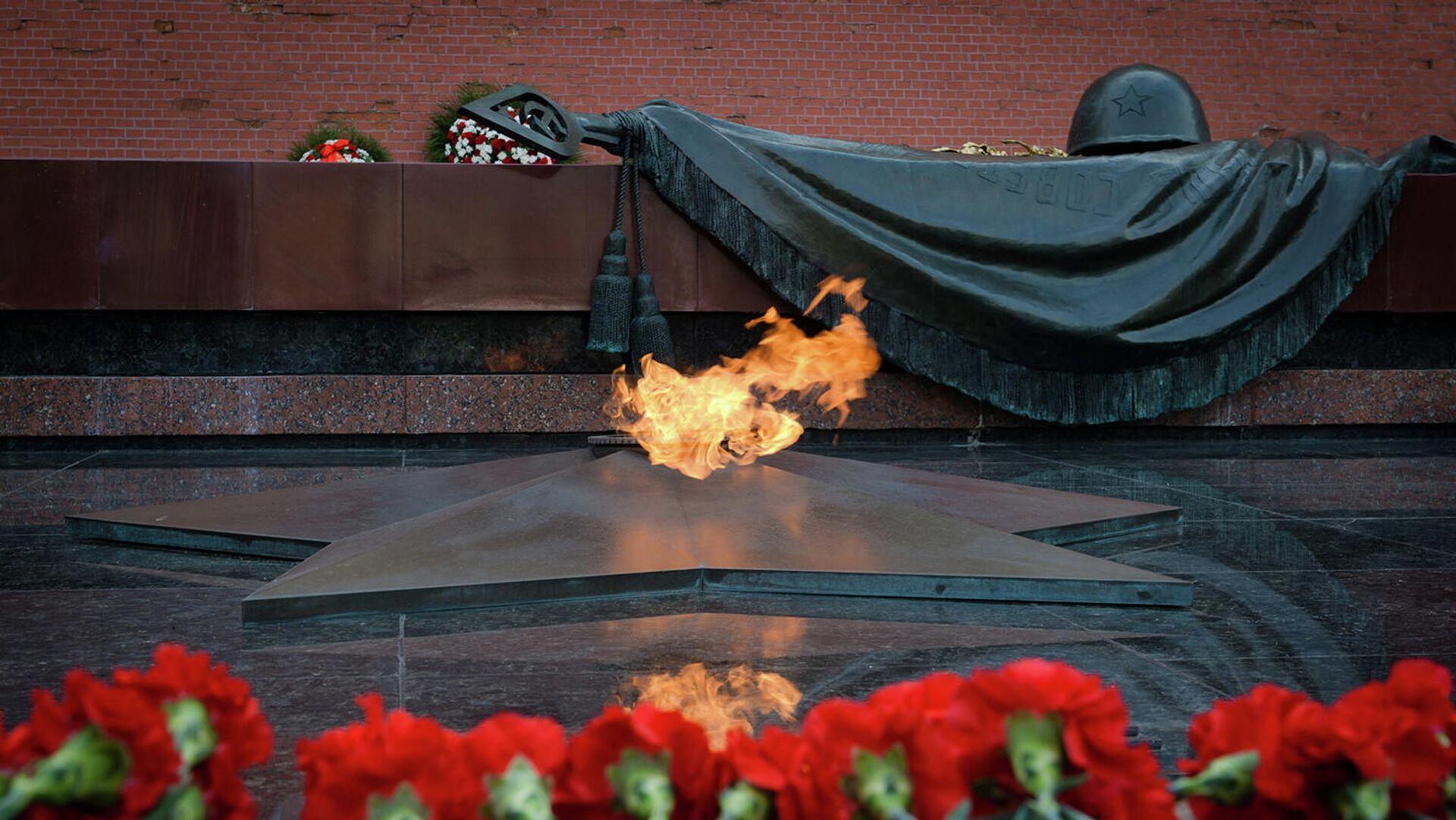Могила Неизвестного солдата в Александровском саду - РИА Новости, 1920, 11.09.2021