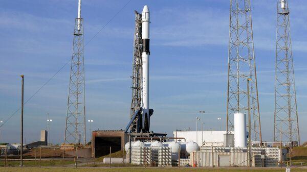 """Эксперт объяснил, почему Маск продает Пентагону """"дорогие"""" ракеты"""