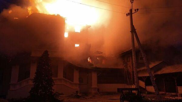Пожар в здании гостиницы Усадьба Ромашково в Одинцово