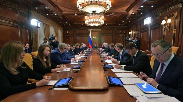 Председатель правительства РФ Дмитрий Медведев проводит заседание президиума Совета при президенте РФ по стратегическому развитию и национальным проектам.