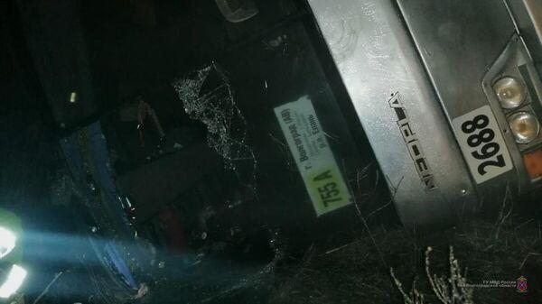 Рейсовый автобус Неоплан, следуя по маршруту Волгоград – Елань, перевернулся в Михайловском районе Волгоградской области