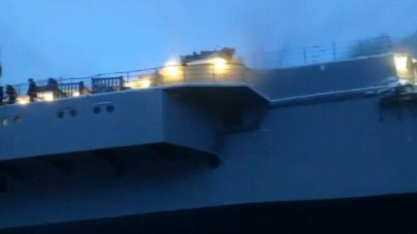 Кадры пожара на крейсере Адмирал Кузнецов