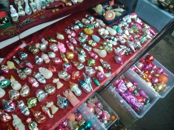 Елочные украшения на блошином рынке в Измайлово