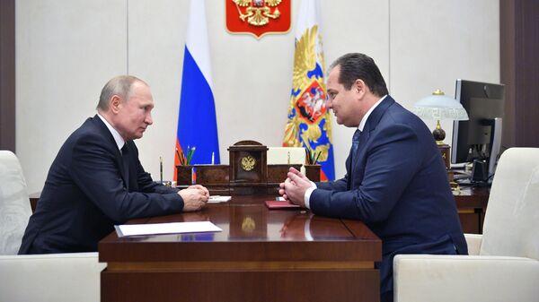 Владимир Путин и Ростислав Гольдштейн во время встречи. 12 декабря 2019