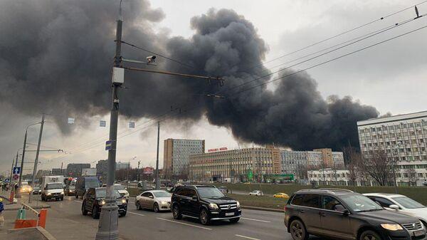 Пожар на складе на юге Москвы