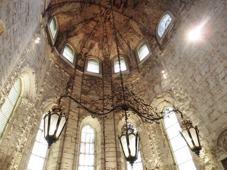 Музей в монастыре Карму в Лиссабоне