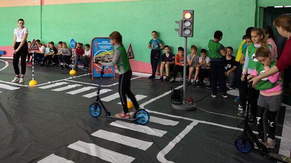 Игра Безопасное движение на дорогах для велосипедистов в школе №10 села Новопокровка