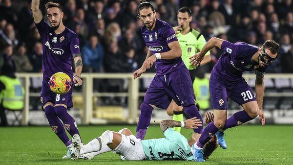 Игровой момент матча Фиорентина - Интер