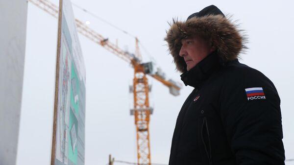 Генеральный директор госкорпорации Роскосмос Дмитрий Рогозин во время посещения космодрома Восточный