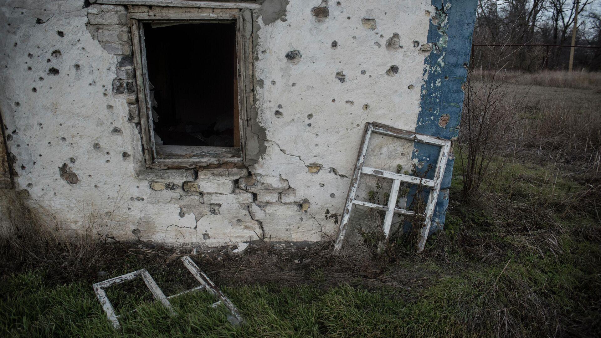 Разрушенный дом в Донецке - РИА Новости, 1920, 20.02.2021