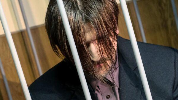 Подозреваемый в сексуальном насилии над несовершеннолетней дочерью Андрей Бовт в суде