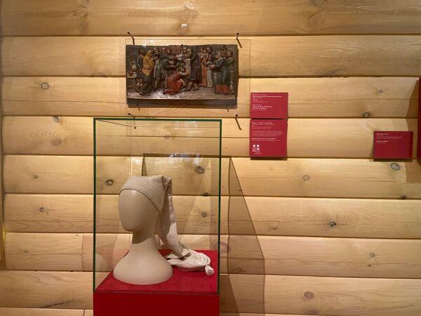 Экспонат выставки Русская свадьба, посвященной свадебным традициям, в Государственном историческом музее в Москве