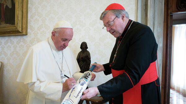 Папа Франциск и кардинал Джордж Пелл в Ватикане
