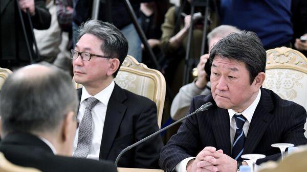 Министр иностранных дел Японии Тосимицу Мотэги во время встречи с министром иностранных дел РФ Сергеем Лавровым в Москве. 19 декабря 2019