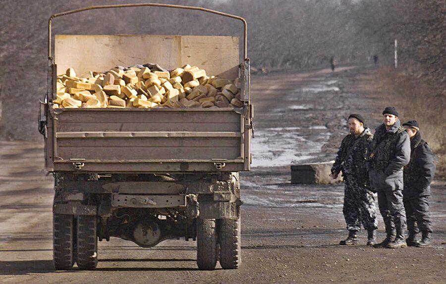 Грузовик с хлебом на чечено-ингушской границе, 14 января 2000 года