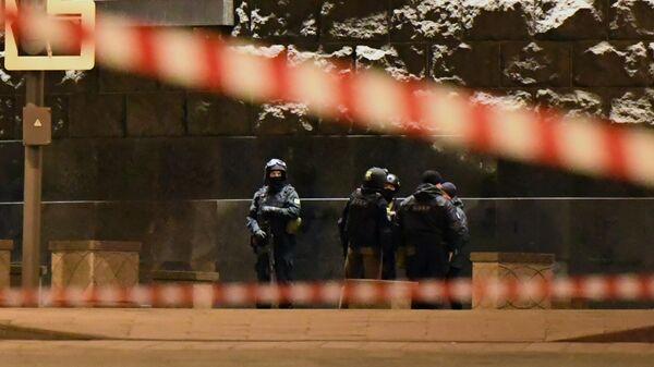 Бойцы СОБРа у здания ФСБ на Лубянской площади
