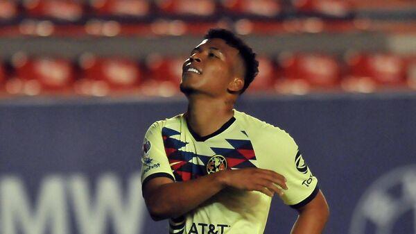 Футболитс Америки Роджер Мартинес