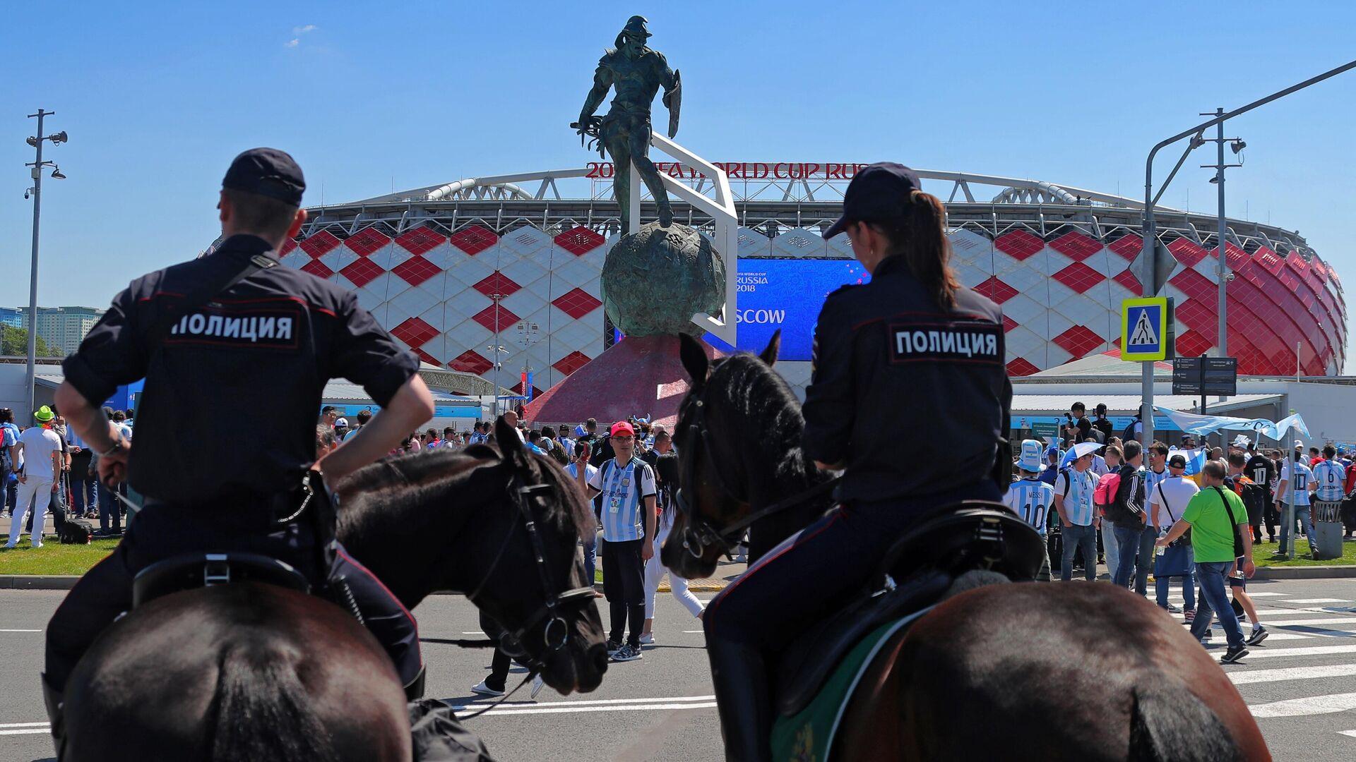 Полиция и стадион Открытие Арена - РИА Новости, 1920, 03.10.2020