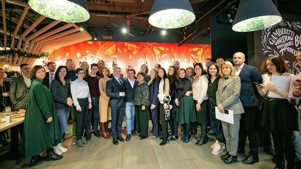 Глава столичного департамента предпринимательства и инновационного развития Алексей Фурсин на встрече с предпринимателями