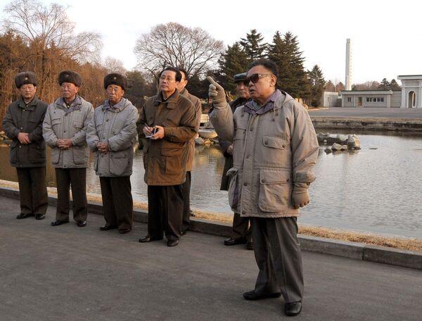 Ким Чен Ир в Центральном зоопарке в Пхеньяне