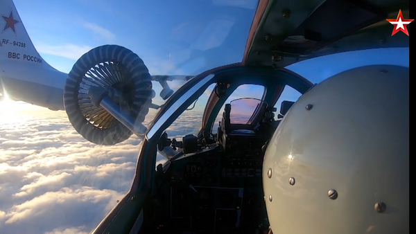 Дозаправку истребителей МиГ-31БМ и Су-34 сняли из кабины пилота