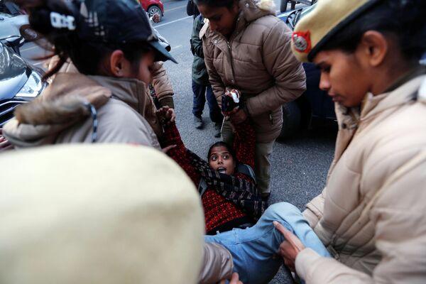 Задержание участников акции протеста в Нью-Дели, Индия