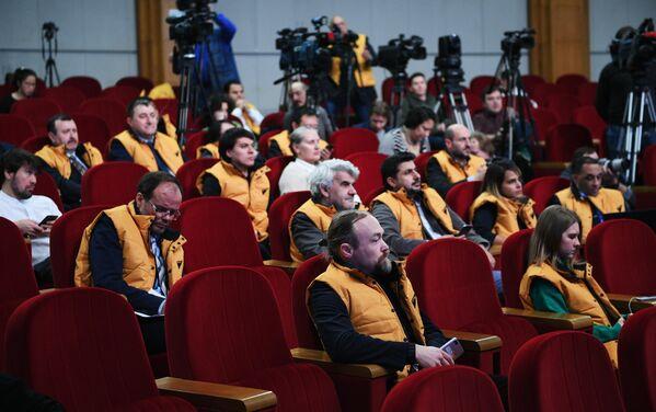 Журналисты на брифинге официального представителя Министерства иностранных дел России Марии Захаровой в Москве