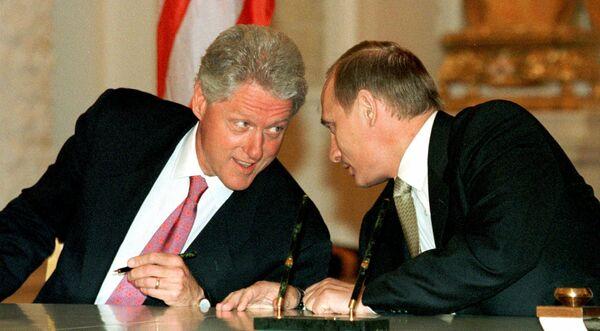 Фотография Владимира Путина и Билла Клинтона, опубликованная на сайте 20.kremlin.ru. 3 – 5 июня 2000 год