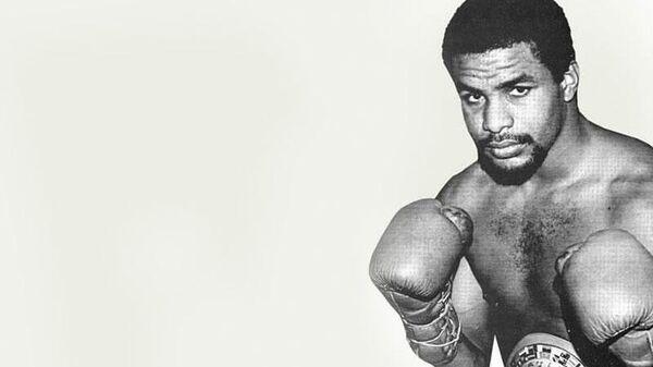 Пуэрториканский боксер  Карлос де Леон
