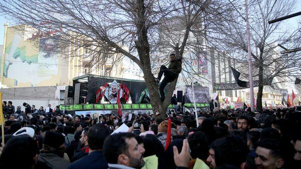 Похороны Кассема Солеймани в городе Керман