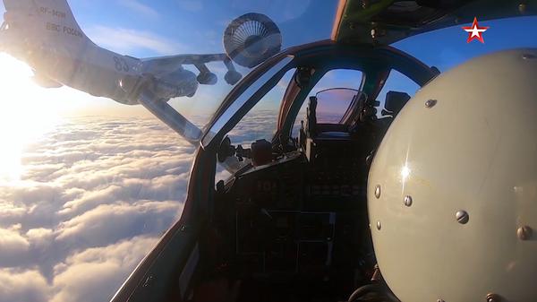 Дозаправку истребителей МиГ-31БМ в воздухе сняли на видео