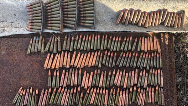 Боеприпасы, обнаруженные в деревянном ящике на востоке Крыма