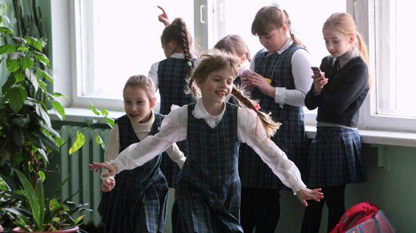 Ученики во время перемены