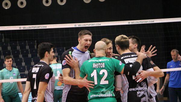 Волейболисты красноярского Енисея