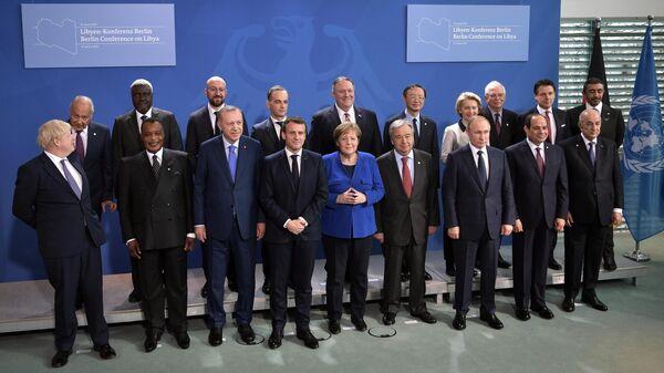 Президент РФ Владимир Путин на церемонии фотографирования глав делегаций участников Международной конференции по Ливии в Берлине