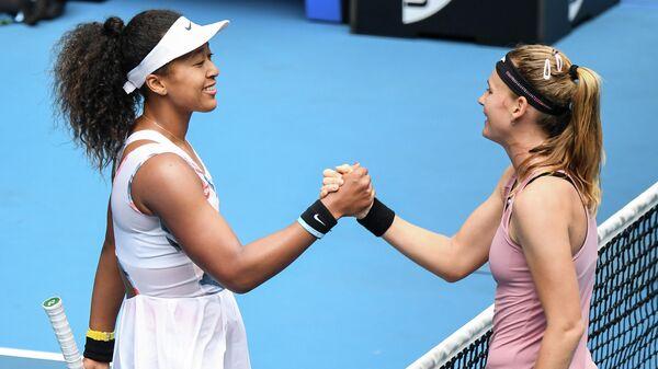 Слева направо: теннисистка Наоми Осака (Япония) и Мария Боузкова (Чехия)