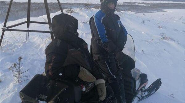 Спасатели КГКУ ЦОД посёлка Оссора обнаружили снегоходчика, который заблудился в условиях непогоды. 20 января 2020