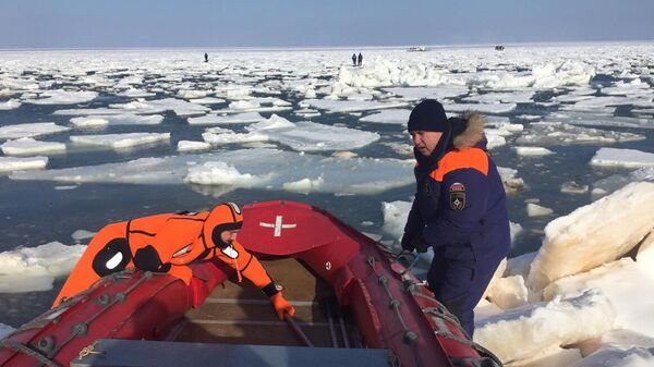 Спасательная операция в заливе Мордвинова
