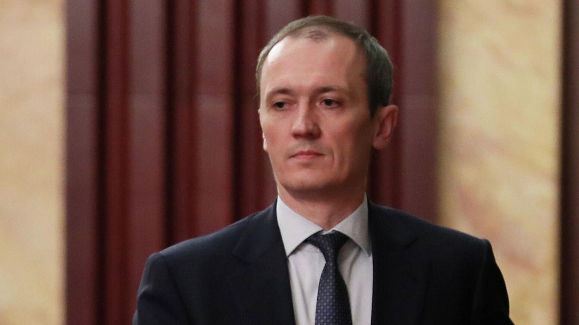Григоренко назвал планируемое число сотрудников департаментов министерств