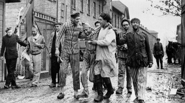 Освобождение советскими войсками узников немецко-фашистского концлагеря Аушвиц-Биркенау, Освенцим (Польша)