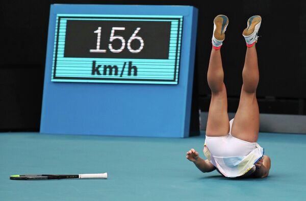 Румынская теннисистка Симона Халеп во время матча против Дженнифер Брэди из США на Открытом чемпионате Австралии по теннису в Мельбурне