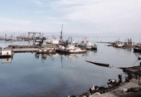 Морской порт в Баку