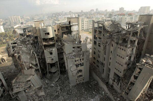 Разрушенные израильскими бомбардировками правительственные здания ХАМАС в секторе Газа