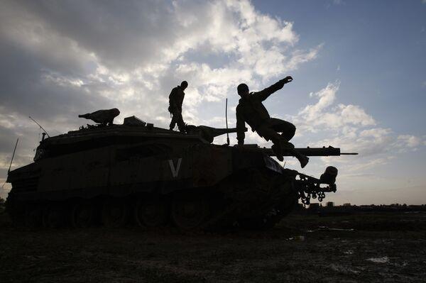 Израильская бронетехника на границе сектора Газа